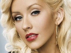 Christina Aguilera Gets Divorced